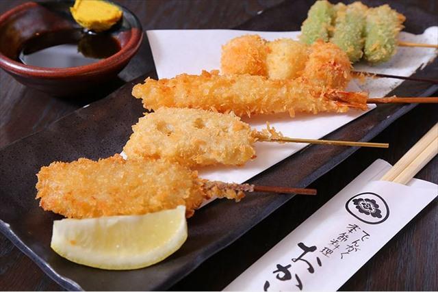 居酒屋を東梅田の周辺でお探しなら~串カツ・海鮮・馬刺しもご用意~