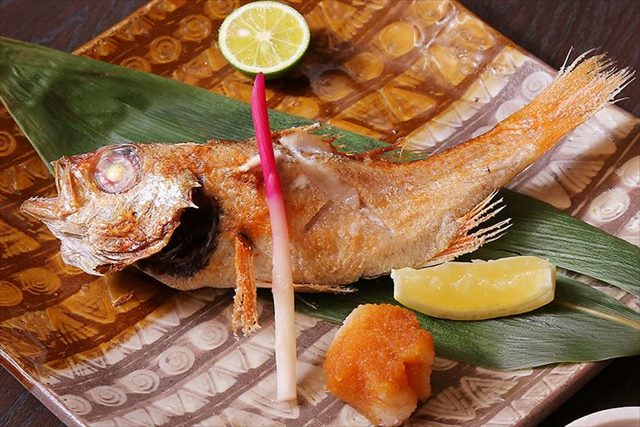 居酒屋を西梅田(駅)の近くでお探しなら【おかじま】~安い価格で美味しい海鮮とお酒をご提供~